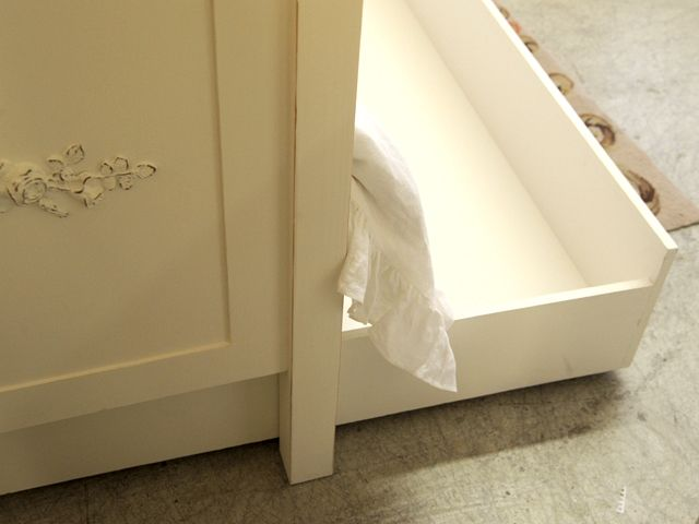 Shabby Cottage Chic White French Rose Daybed Trundle